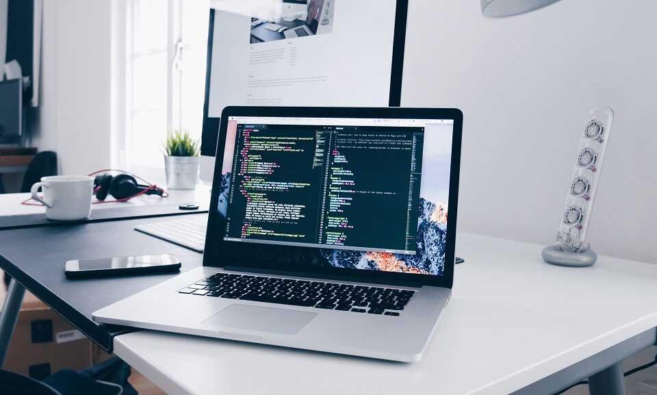 خصوصیات شغل برنامه نویسی
