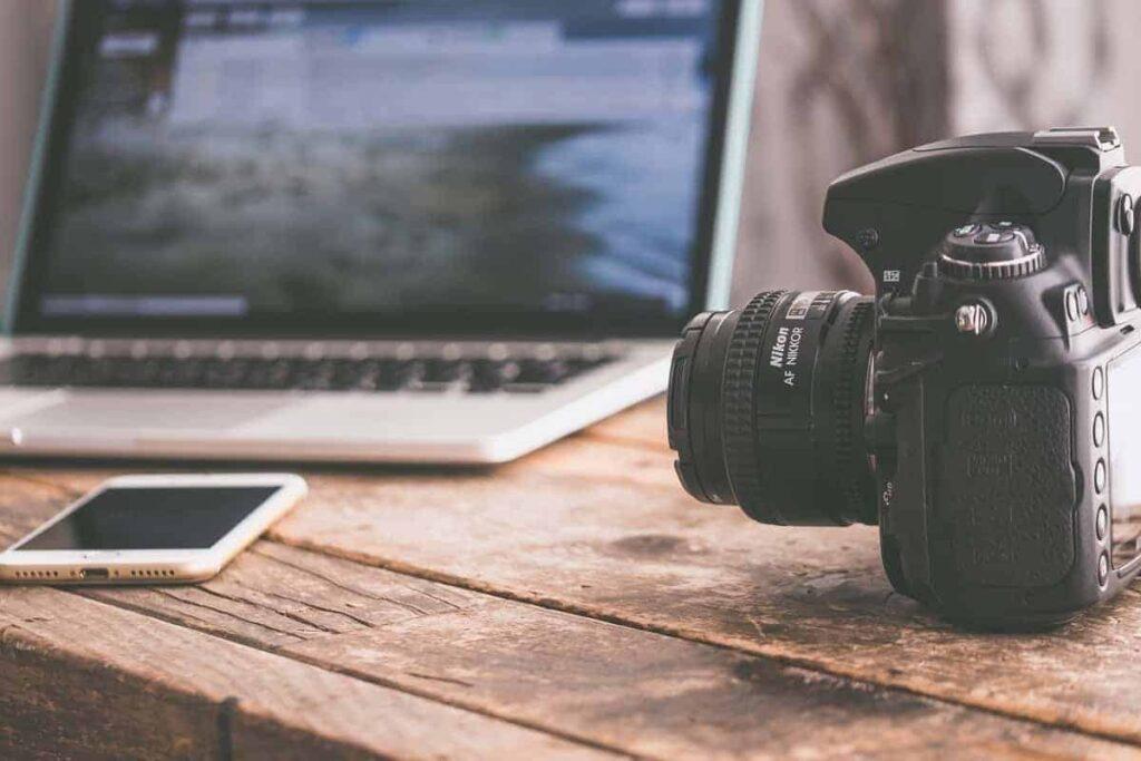 آغاز عصر عکاسی دیجیتال به چه زمانی برمیگردد؟