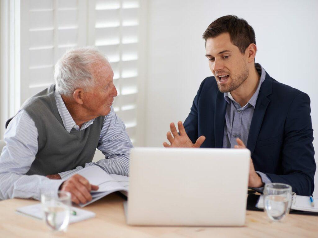 نقش مشاور مالی چیست؟