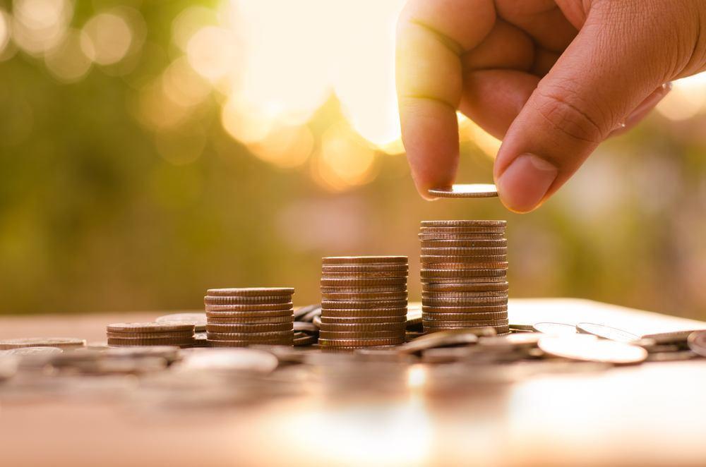 چگونه با پول کم سرمایه گذاری کنیم؟