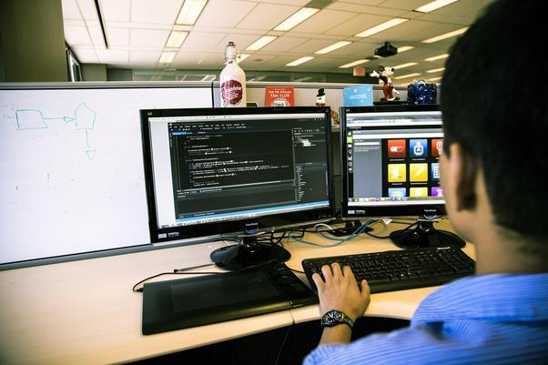 توضیح مختصری درباره برنامه نویس C