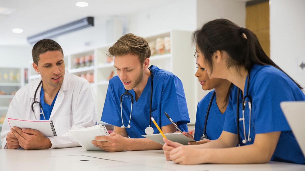 بهترین راهاپلای برای تخصص پزشکی